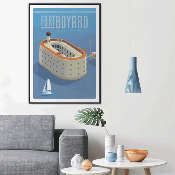 Décor avec l'affiche encadrée du Fort Boyard